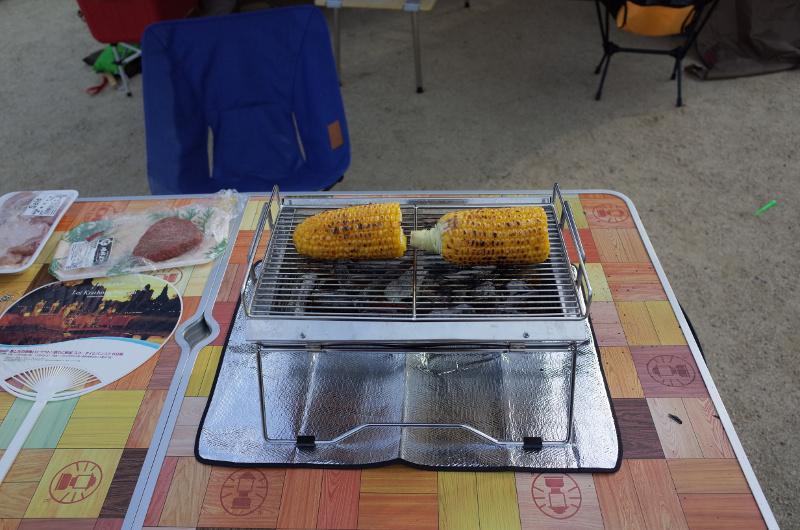 ユニセラでトウモロコシを焼き焼き