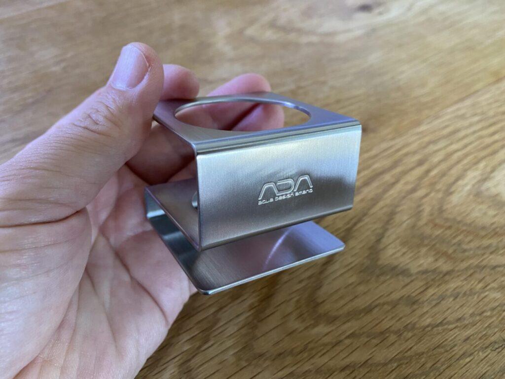 金属製のボンベ立て「CO2メタルスタンド」